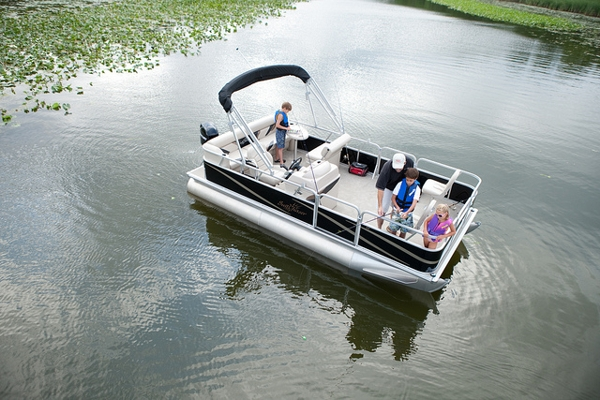 Sunchaser Pontoon Oasis 818 Fish